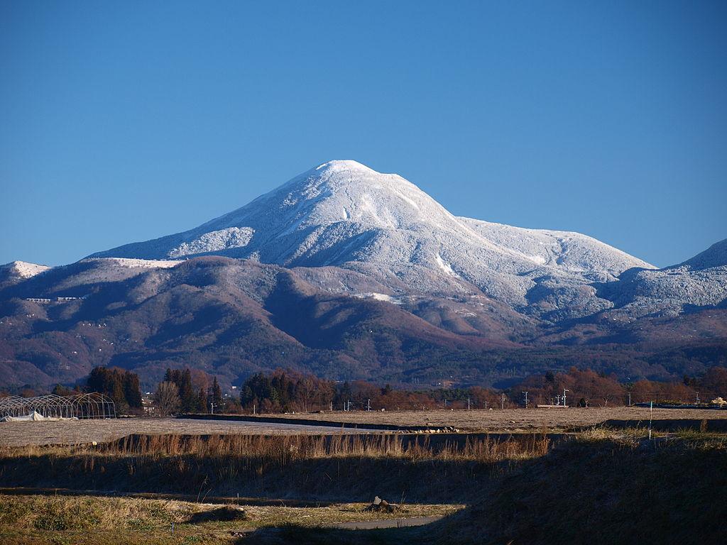 四季の山カレンダー - 冬の蓼科山